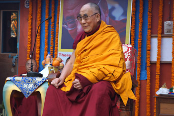 His Holiness the Dalai Lama speaking at the Alice Project Universal Education School in Sarnath, Uttar Pradesh, India, on January 13, 2013. Photo/Jeremy Russell/OHHDL