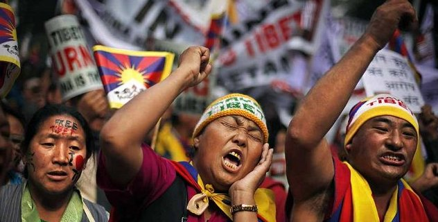 Exiled Tibetans during a four-day campaign in New Delhi, India, on 30 January 2013, to draw global intervention to end China's repressive rule in Tibet/Photo/Altaf Qadri/Associated Press