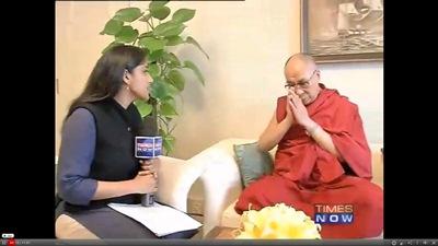 Sua Santità il Dalai lama durnte l'intervista a Time Now