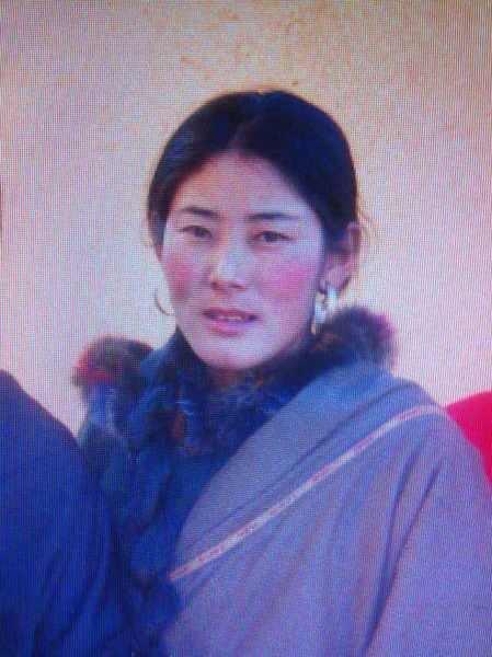 Kalkyi, di 30 anni, madre di quattro figli, si e' data fuoco per protesta contro la dominazione cinese ed e' morta.