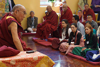 His Holiness the Dalai Lama speaking to Tibetan students during their meeting in Madison, Wisconsin on May 16, 2013. Photo/Jeremy Russell/OHHDL