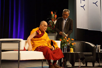 A Teaching of the Four Noble Truths and a Public Talk on Ethics in a Shared World in Darwin Conclude His Holiness the Dalai Lama's Visit to Australia