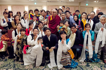 His Holiness the Dalai Lama with members of the Tibetan community living in Japan in Tokyo, Japan on November 26, 2013. Photo/Office of Tibet, Japan