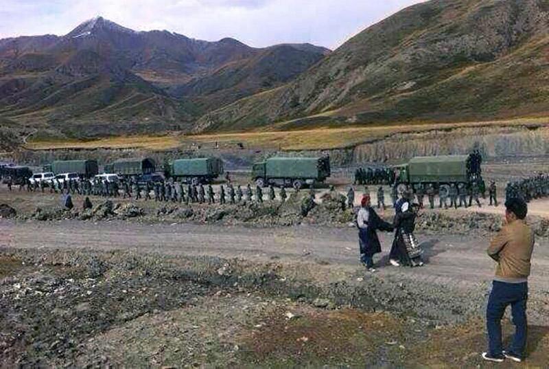 Massiccia presenza delle forze di polizia cinese nel remoto villaggio di Driru