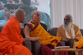 Swami Nirmaladantha, His Holiness the Dalai Lama and Swami Satyanand Maharaj on stage together during celebrations of the 150th anniversary of the birth of Swami Vivekananda in Coimbatore, Tamil Nadu, India on January 7, 2014. Photo/Jeremy Russell/OHHDL