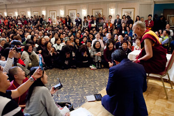 His Holiness the Dalai Lama speaking to a group of Taiwanese in Tokyo, Japan on April 14, 2015. Photo/Tenzin Jigmey
