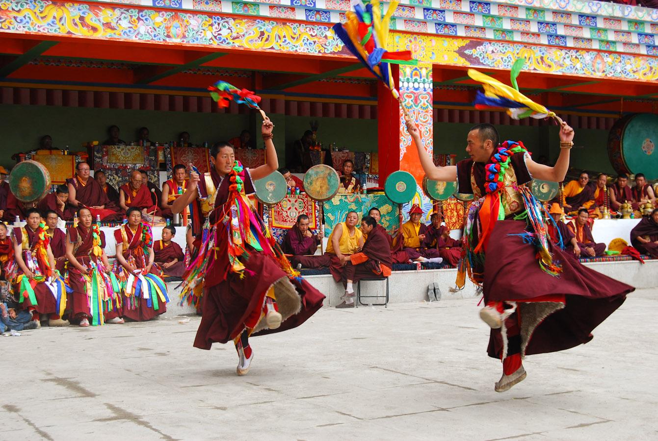 Cham, la danza sacra dei monaci tibetani