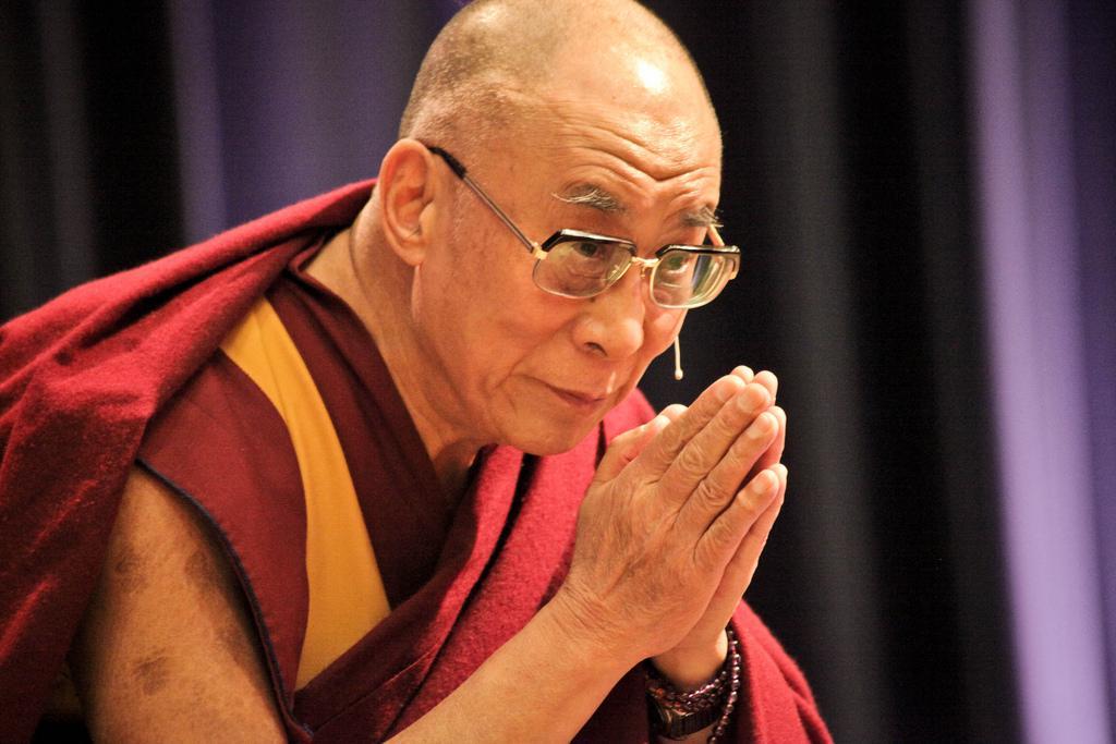 """Sua Santità il Dalai Lama: """"C'è bisogno di un tipo di educazione in grado di cambiare noi stessi"""""""