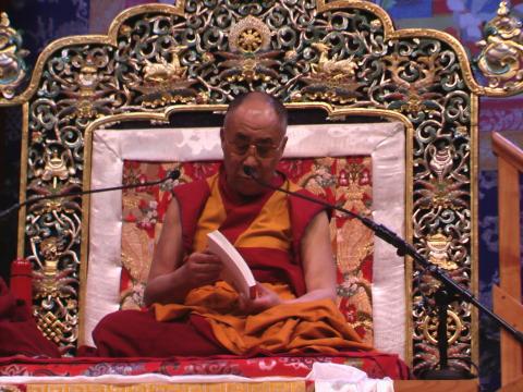 Sua Santità il Dalai Lama ci guida tra le pagine del teso di Nagarjuna