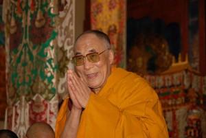 """Sua Santità il Dalai Lama: """"Quando ci si troverà di fronte ad una situazione in cui si genera compassione, invece di acquisire maggior distacco dall'oggetto di tale sentimento, il coinvolgimento sarà più profondo e pieno""""."""