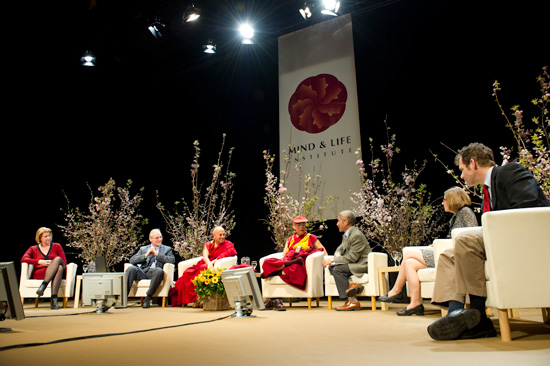 Sua Santitàil Dalai lama alla Conferenza Mind and Life