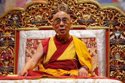 """Sua santità il Dalai Lama: """"La base della compassione è la responsabilità universale che sorge sulla base della meditazione""""."""