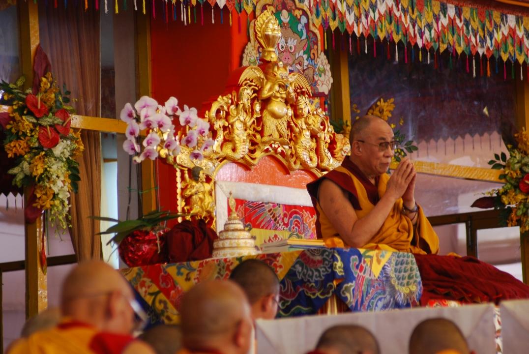 Sua Santità il Dalai Lama: Quali sono le condizioni necessarie per lo sviluppo della visione speciale? Affidarci a un essere santo, colui che è compassionevole ed instancabile.  (Foto di Luciana Usellini)