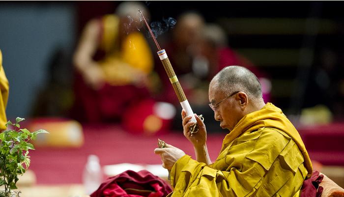 Sua Santità il Dalai Lama: Di qualsiasi religione siate, la cosa principale è seguire la religione del proprio maestro, è riuscire ad essere quanto più possibile di beneficio agli altri.