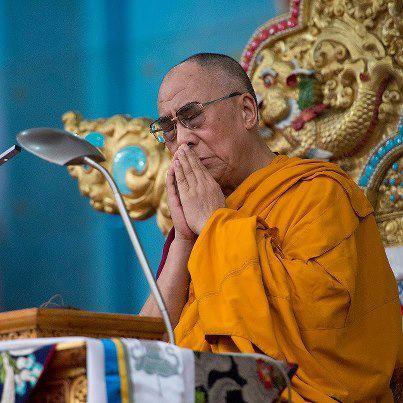 Sua Santità il Dalai Lama: Le abitudini alla qualità della mente si possono incrementare all'infinito, mentre quelle del corpo sono molto più limitate, specialmente quanto più invecchiamo.