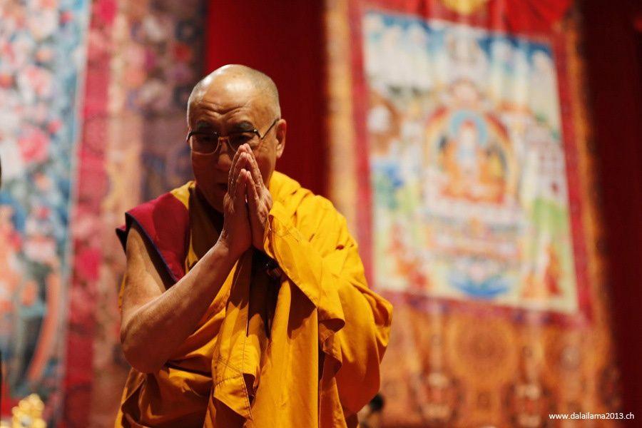 Sua Santità il Dalai Lama: Diventare una persona migliore attraverso la coltivazione di amore e compassione.