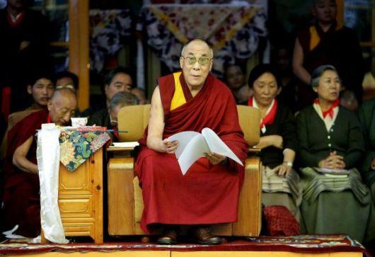 Sua Santità il Dalai Lama: Se siete vittima di un'ingiustizia, battetevi per i vostri diritti e fate trionfare la verità.