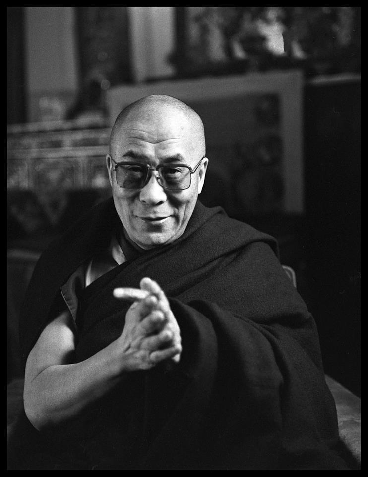 """Sua Santità il Dalai Lama: """"Spesso Sakyamuni si è presentato come un medico: """"Come l'oceano intero è impregnato dal sapore del sale, così tutto il mio messaggio non ha che un sapore, la liberazione."""""""
