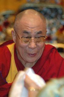 Sua Santità il Dalai Lama: Se siete credenti, al momento di morire ricordatevi della vostra fede e pregate.