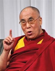 Sua Santità il Dalai Lama: Secondo me, una delle vostre funzioni più utili è di combattere la menzogna e la corruzione.