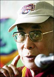 Sua Santità il Dalai Lama: In realtà siamo tutti coinvolti, tutti responsabili.