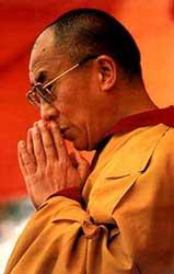 Sua Santità il Dalai Lama: Dite quindi a voi stessi: «Per raggiungere lo stato della completa Illuminazione nel più breve tempo possibile, dovrò impegnarmi nel profondo sentiero del guru yoga».