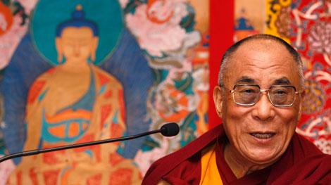 Sua Santità il Dalai Lama: Agire in modo impulsivo significa correre grandi rischi di sbagliare. Poiché siamo capaci di riflettere, è bene che aspettiamo di sentirci calmi e distesi prima di commettere l'irreparabile.