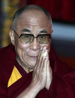 Sua Santità il Dalai Lama:Ogni sentiero che vi porta a purificare la mente dalle negatività è un sentiero che conduce alla liberazione.
