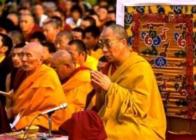 Sua Santità il Dalai Lama: Poiché la vostra mente è impermanente e ha la natura della vacuità, possedete al vostro interno la natura Buddha, il seme che può sbocciare nel fiore dell'Illuminazione.