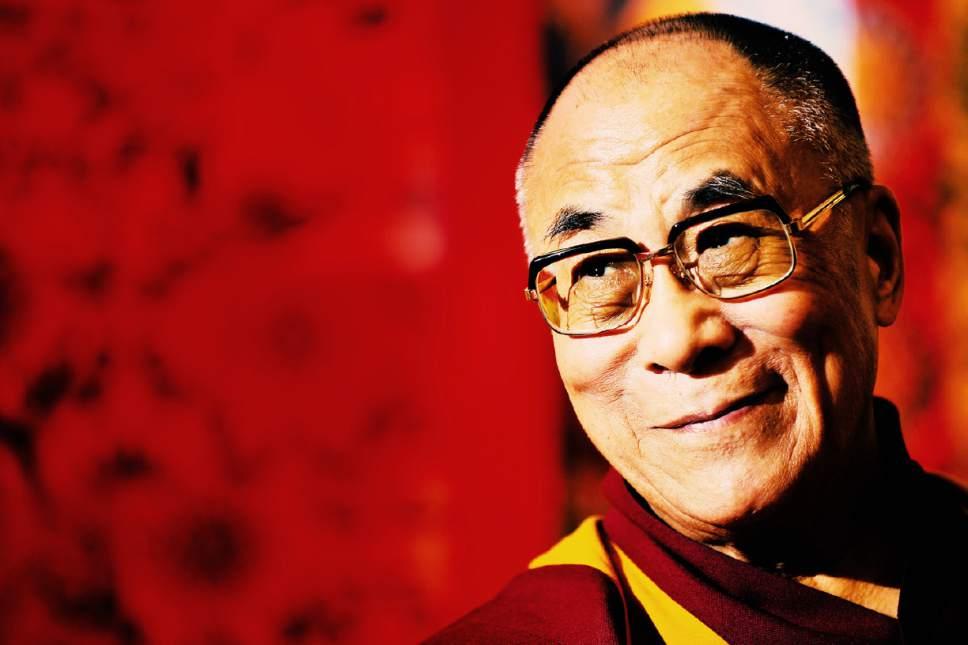 Sua Santità il Dalai Lama: Una persona completamente illuminata è a conoscenza del funzionamento delle afflizioni in ogni momento. Le sua menti è estremamente chiara.