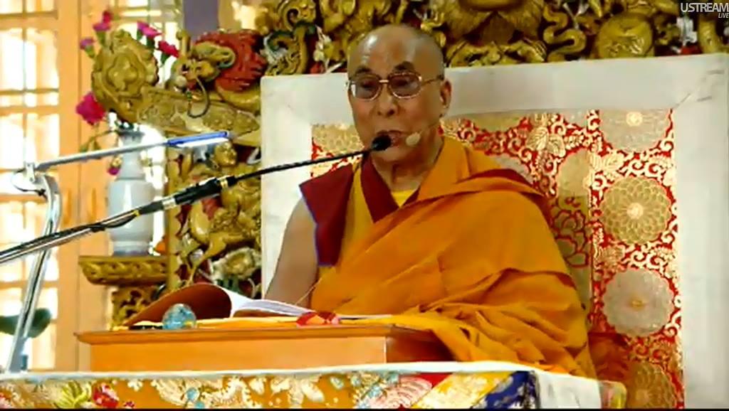 Sua Santità il Dalai Lama: Tutti gli esseri provvisti di mente sono accomunati dal fatto che provano felicità e sofferenza.