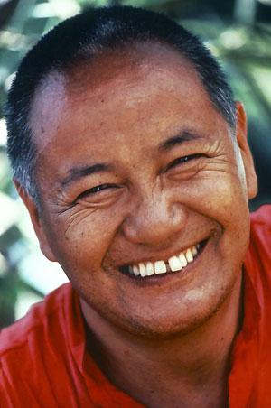 """Lama Tubten Yeshe: """"Conoscere la natura caratteristica della vostra coscienza è l'unico modo per portare la pace dentro voi stessi e in tutto il mondo poiché la pace diventa una vostra personale esperienza interiore, non qualcosa che deriva dall'esterno""""."""
