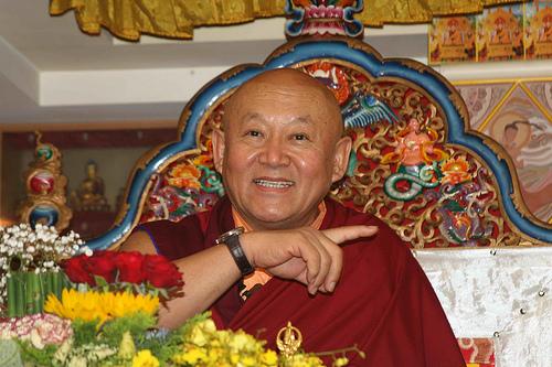 Sua Santità Drikung Kyabgon Chetsang Rinpoche