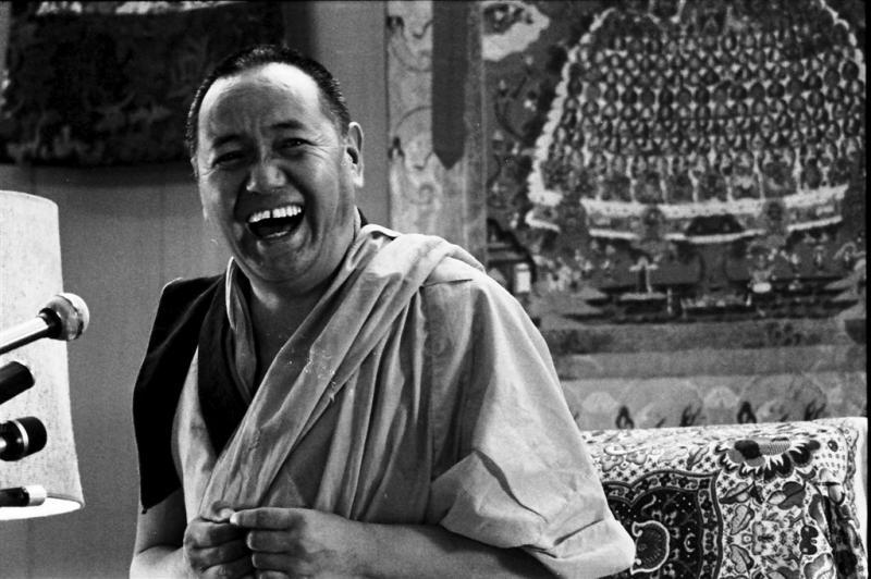 """Lama Yesce: """"La saggezza del Dharma, comprendendo la natura della mente, è la mia sola protezione""""."""