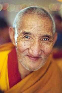 Il Ven Lama Ribur Rinpoche