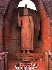 Queste 10 virtù corrispondono ad altrettanti gradini o tappe o stadi che il bodhisattva deve percorrere - impiegando anche migliaia di esistenze – per raggiungere la buddhità.