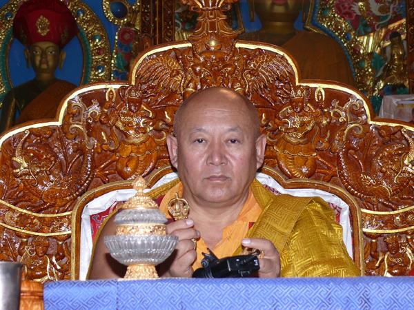 Sua Santità Drikung Kyabgon Chetsang Rinpoche: Ricordate le attività non-virtuose del passato .