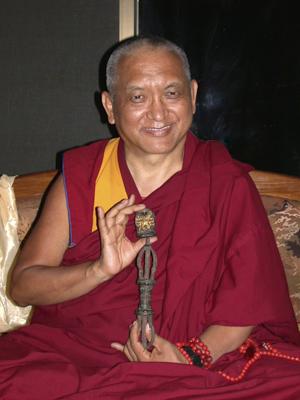 Lama Zopa Rinpoche: La stessa mente costantemente interpreta e giudica, perché non stiamo cercando di cambiarla, non cerchiamo di sviluppare la nostra mente, per renderla più pura, più positiva.