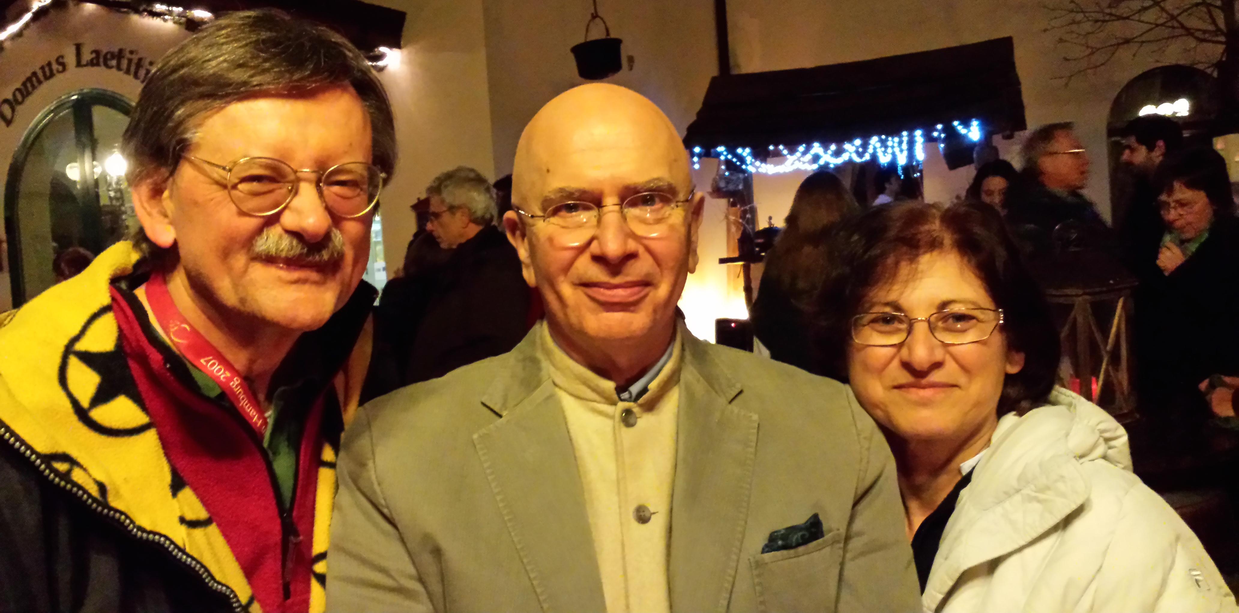 Lama Denys Rinpoce col Dr. Luciano Villa e Graziella Romania.