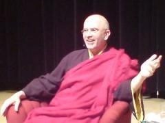 Lama Denys Rinpoce: Per praticare bene la piena presenza occorre essere motivati verso ciò che ci piace ed apprezziamo, nella gioia e felicita dell'istante presente.