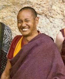 Lama Thubten Yeshe: Tutti i fenomeni della sfera sensoriale esistono come le nuvole.
