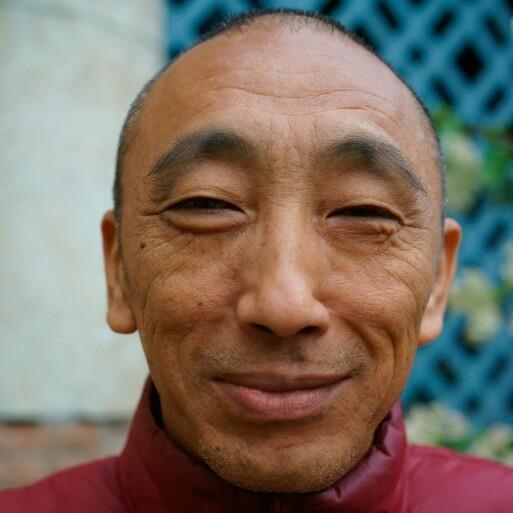 Ven. Gheshe Ghedun Tarcin: Superando la visione dualistica, ci rilassiamo e impariamo gradualmente a dimorare nello stato originario della mente, che è spazio aperto senza limitazioni.
