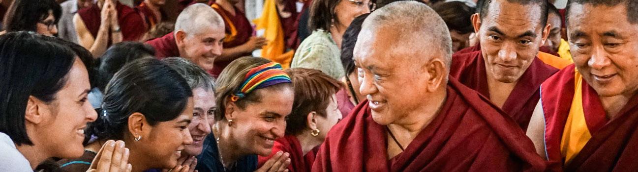 Lama Zopa Rinpoche: Gli yogi che realizzano l'impermanenza non vogliono sprecare tempo neppure a rimuovere una scheggia.