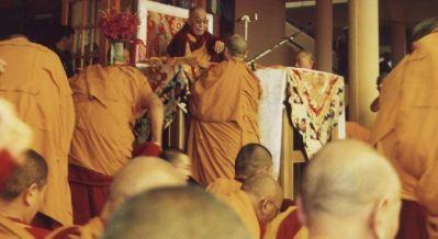 Sua Santità il Dalai Lama conferisce gli insegnamenti a Dharamsala