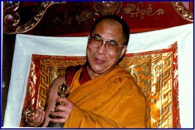 Sua Santità il Dalai Lama alla fine degli insegnamenti
