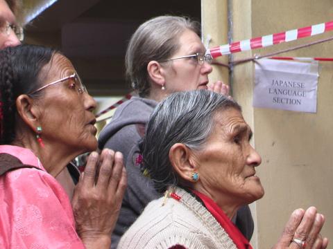 Tibetani devoti a Sua Santità