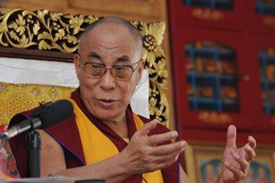 """Sua Santità il Dalai Lama: """"La pratica della bodhicitta, dell'altruismo, dona molta energia, molta forza, ed è in grado di farci comprendere la situazione in cui ci troviamo""""."""