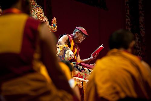 """Sua Santità il Dalai Lama: """"L'aggrapparsi all'io è una concezione errata, conoscere che l'io non esiste in modo autonomo è un antidoto a questo aggrapparsi. """""""
