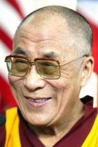 """Sua Santità il Dalai Lama: """"Penso che all'inizio un luogo diventi santo grazie alla forza del singolo praticante spirituale che vi vive""""."""