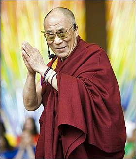 """Sua Santità il Dalai Lama: """"L'aspetto della conoscenza o saggezza del sentiero è il vero antidoto per eliminare l'ignoranza""""."""